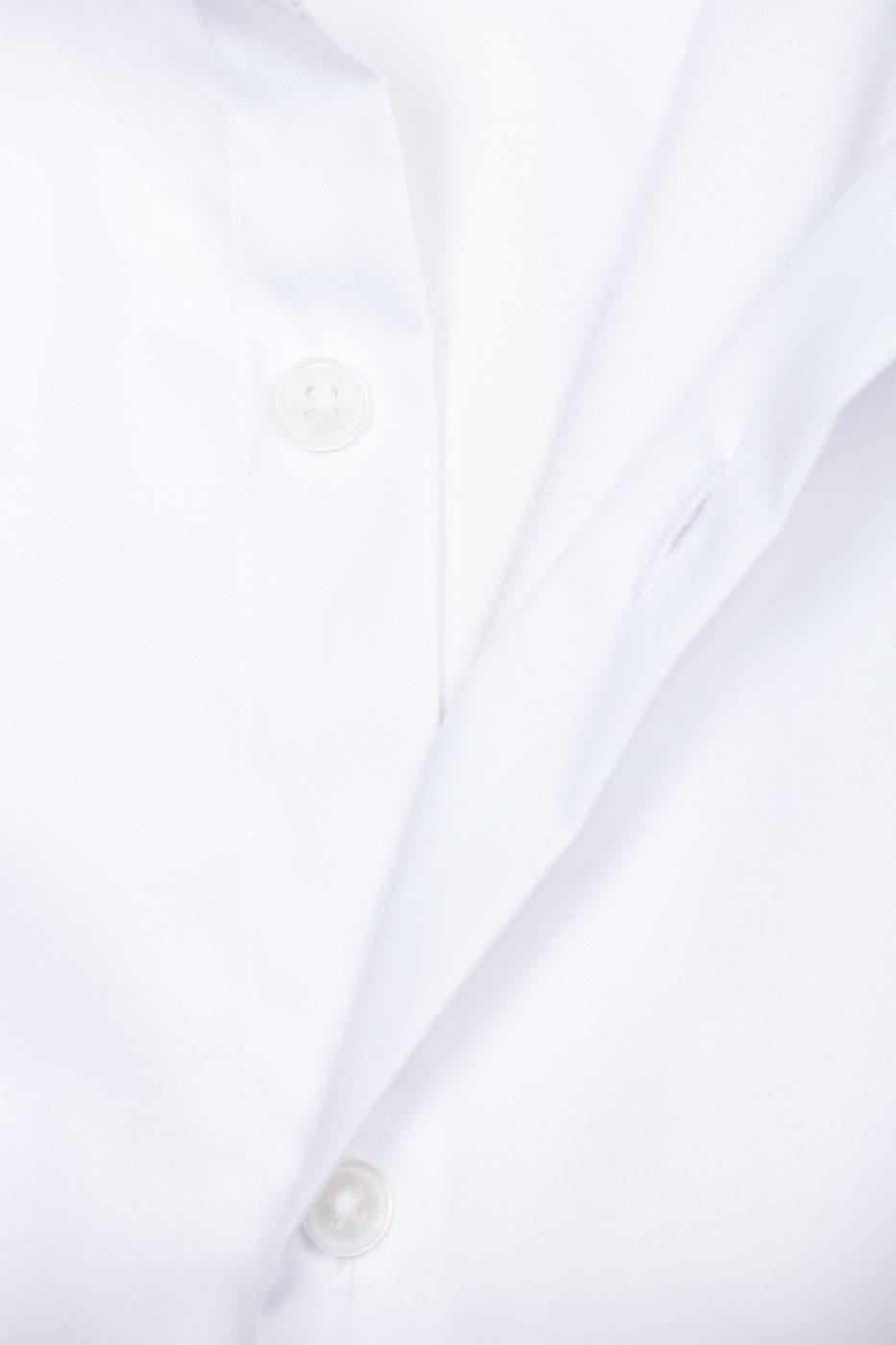 Postiano-valge-triiksärk-2-2